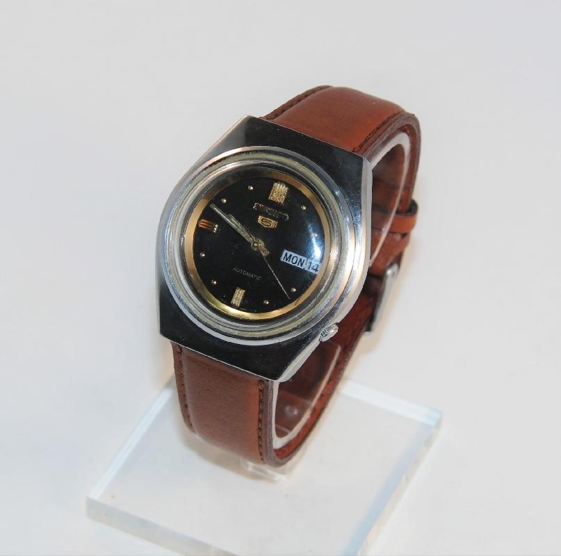 vintage longines kellot